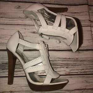 Jessica Simpson White leather upper heels Sz 8